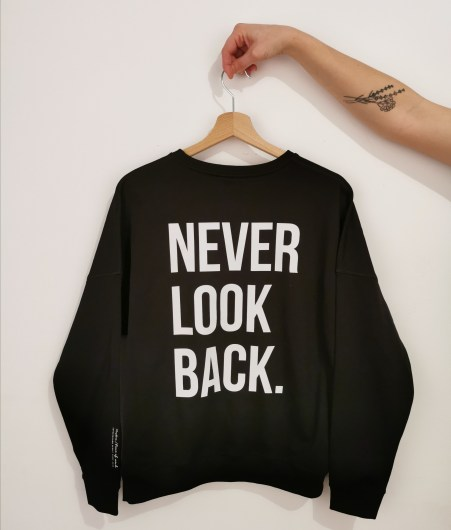 MUSTRA_ZS_NEVER_LOOK_609